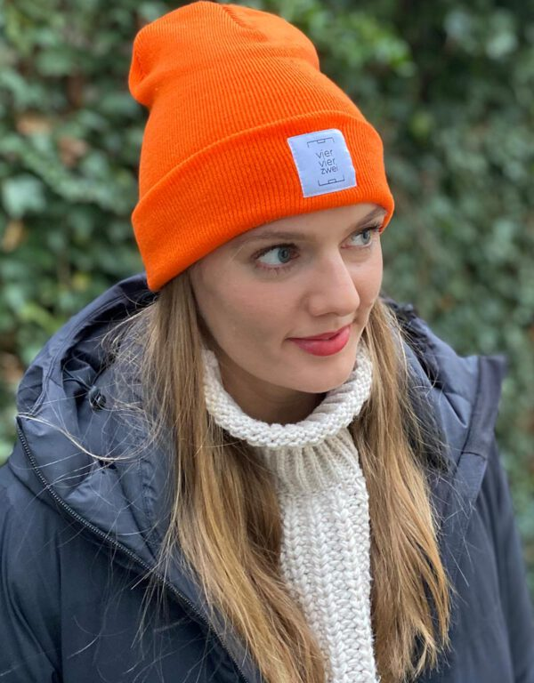 viervierzwei Beanie in orange